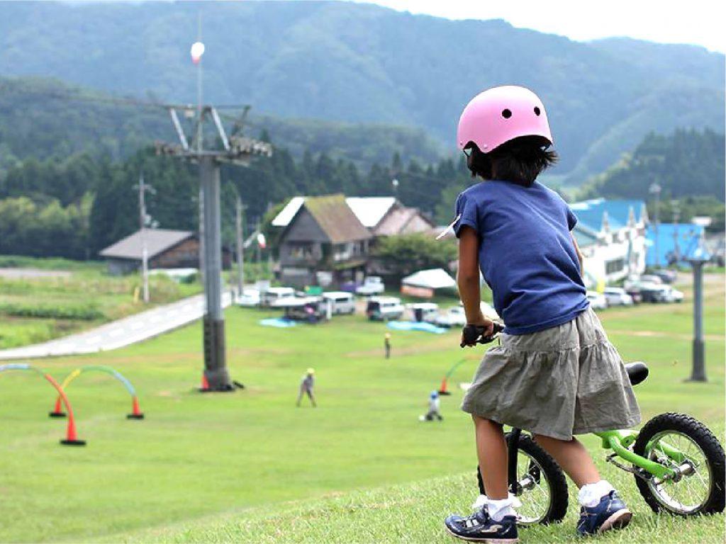 夏のスキー場も「意外と遊べる」!